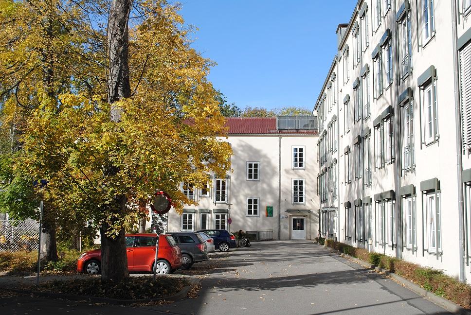 Wohnzentrum_Innenhof2.jpg